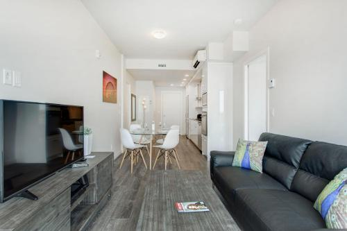 Le Village Montréal Apartments by CorporateStays Photo