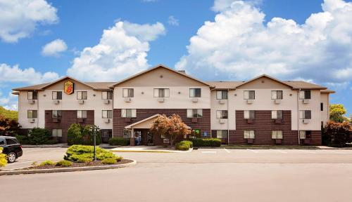 Super 8 By Wyndham Carlisle-south - Carlisle, PA 17103