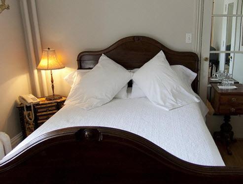Hotel Belvedere - Kingston, ON K7L 2Z9