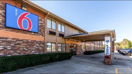 Motel 6 Troy Photo