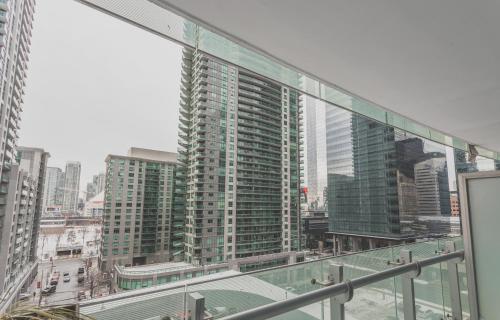 Downtown Mtcc Acccn Tower Royal York - Toronto, ON M5J 0B1