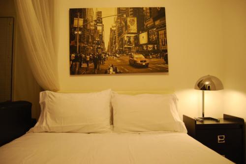Spacious Bachelor/studio Condo By Elite Suites - Mississauga, ON L5M 0P1