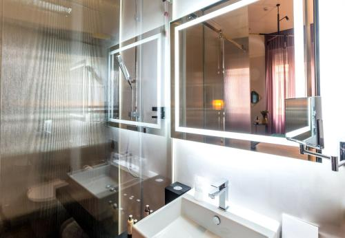 The H'All Tailor Suite Roma photo 37