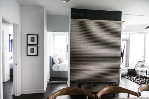 Applewood Suites - 3 Bdrm Luxury Lakeview