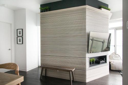 Applewood Suites - 3 Bdrm Luxury Lakeview - Toronto, ON M5J 0B1