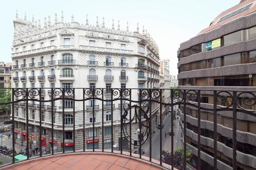 Barcelona 226 Center Exclusive Apartments photo 14