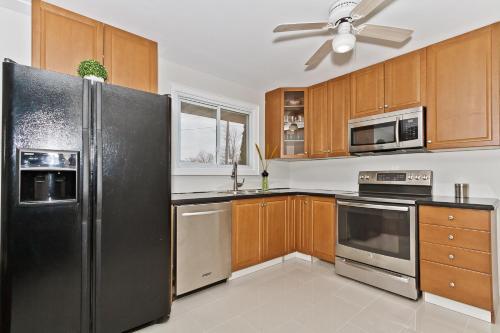 Homewood Entire House - Burlington, ON L7P 2M5