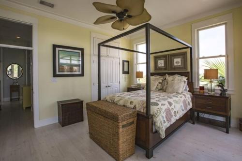 The Shores Villa - South Padre Island, TX 78597