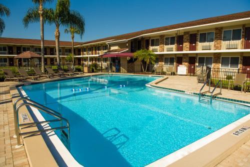 Magnuson Hotel Zephyrhills - Zephyrhills, FL 33542