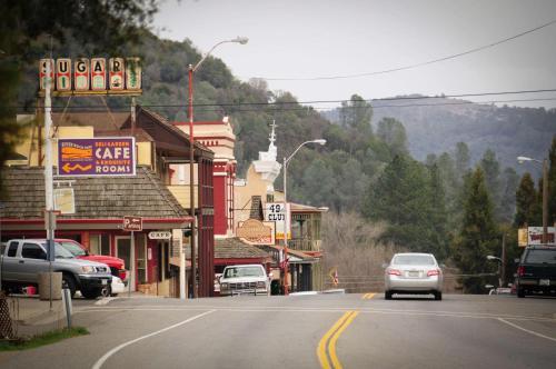 Best Western Plus Yosemite Way Station Photo