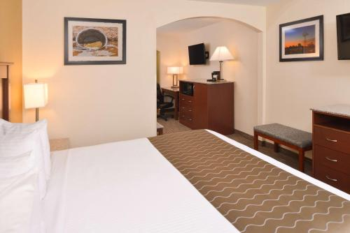 Best Western Executive Inn & Suites Photo
