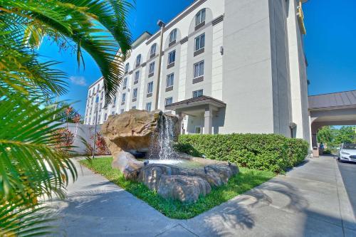 Best Western Airport Inn & Suites - Orlando, FL 32809
