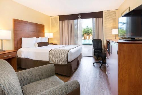 Best Western Orlando Gateway Hotel photo 23