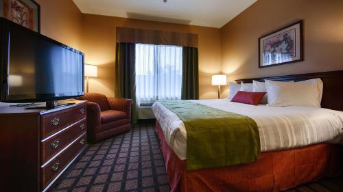 Best Western Inn & Suites Merrillville Photo