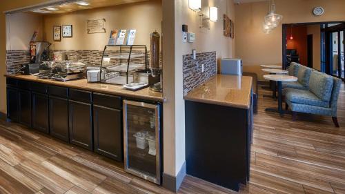 Best Western PLUS Edinburg Inn & Suites Photo
