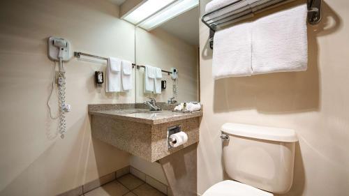 Surestay Hotel By Best Western Chilliwack - Chilliwack, BC V2R 3A4