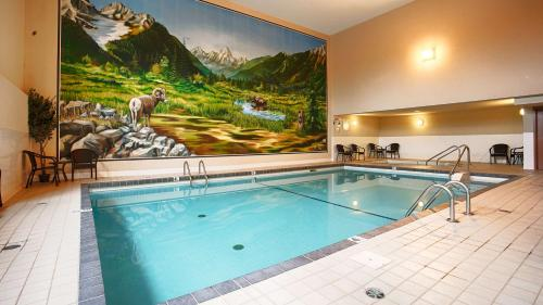Best Western Plus Prestige Inn Radium Hot Springs - Radium Hot Springs, BC V0A1MO