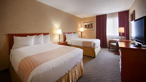 Best Western North Bay Hotel & Conference Centre - North Bay, ON P1A 2G4