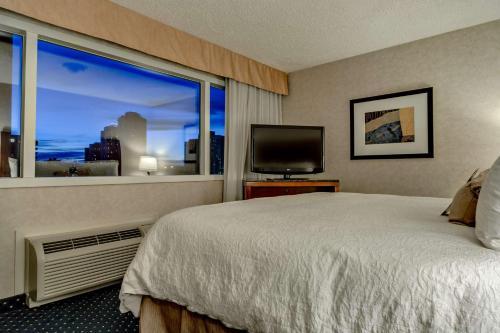 Best Western Plus Suites Downtown Calgary Photo