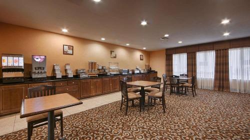 Best Western Bastrop Pines Inn Photo