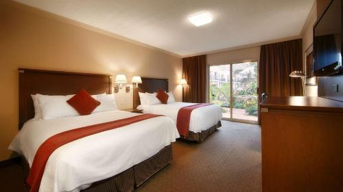 Best Western Plus Lamplighter Inn & Conference Centre - London, ON N6C 4R3