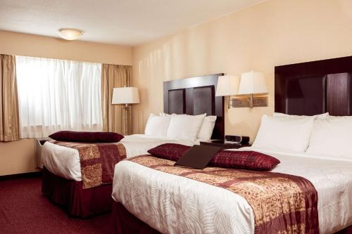 Best Western Plus Coquitlam Inn Convention Centre - Coquitlam, BC V3K 3V8