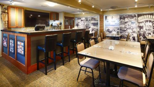 Best Western Plus Regency Inn & Conference Centre - Abbotsford, BC V2T 1A1