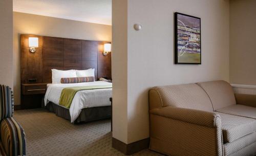 Best Western Ville-Marie Hotel & Suites Photo