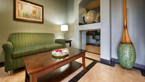 Best Western Marlin Inn & Suites - Marlin, TX 76661