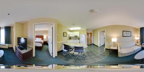 MainStay Suites Airport Photo