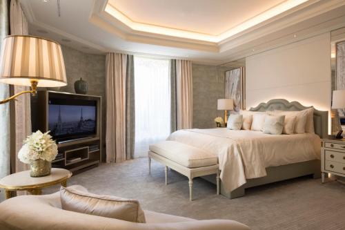 Four Seasons Hotel George V Paris - 25 of 61