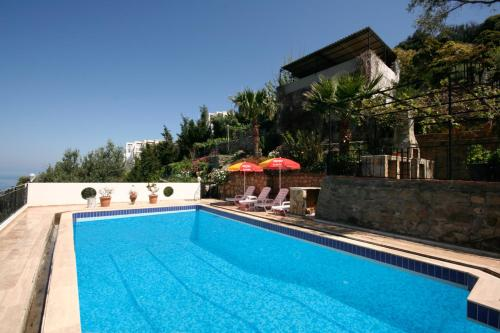 Gumusluk High Privacy Three Bedroom Villa BD456 Gümüşlük telefon