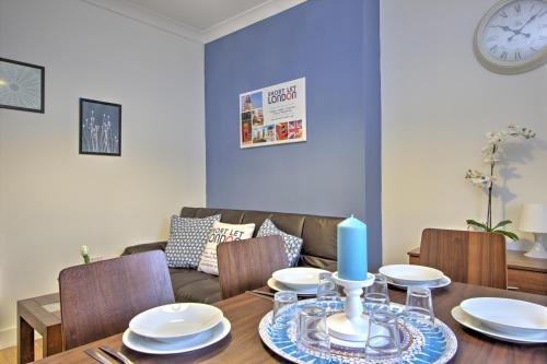 Brondersbury Park Apartment photo 12