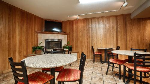 Best Western Plus Humboldt Bay Inn Photo