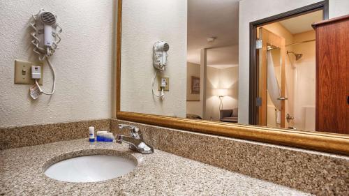 SureStay Hotel Ottawa by Best Western