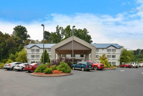 Best Western River Cities - Russell, KY 41101