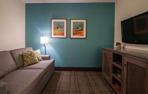 Best Western Plus University Park Inn & Suites - Ames, IA 50010
