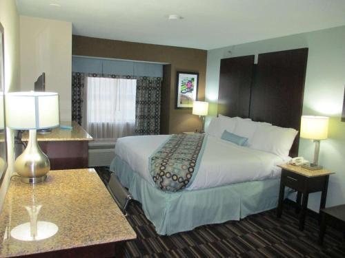 Best Western Plus Elizabeth City Inn & Suites Photo