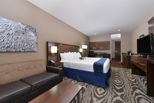 Best Western Plus Williston Hotel & Suites - Williston, ND 58801