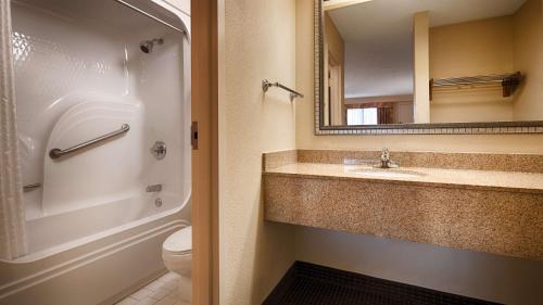 Best Western Inn & Suites Monroe Photo