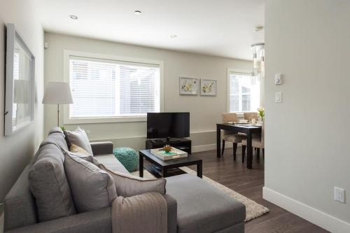 Luxury 2 Bedroom Guest Home - Vancouver, BC V5Y 2R1