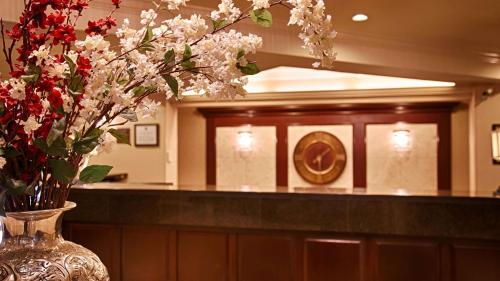 Best Western Premier Plaza Hotel & Conference Center - Puyallup, WA 98373