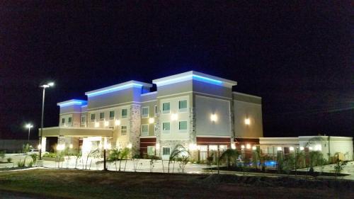 Best Western Plus Dilley Inn & Suites - Dilley, TX 78017