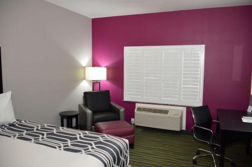 Best Western Plus Dilley Inn & Suites Photo