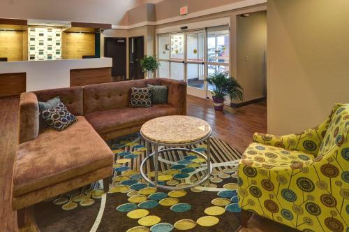Best Western Plus Patterson Park Inn - Winfield, KS 67005