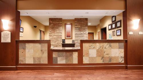 Best Western Plus Grand Island Inn and Suites Photo
