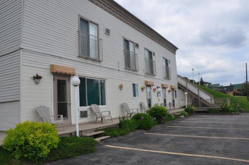 Motel Bel-Eau Photo