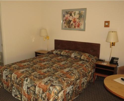 Skyline Motel - Sault Ste Marie, ON P6B 4Z5