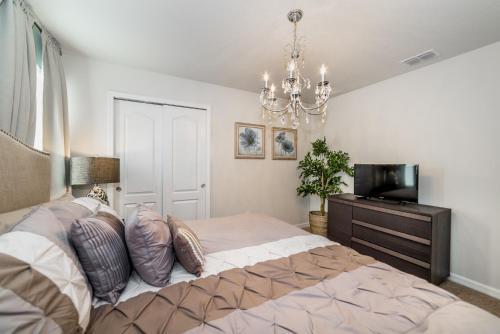 Royal Windsor Home - Kissimmee, FL 34747