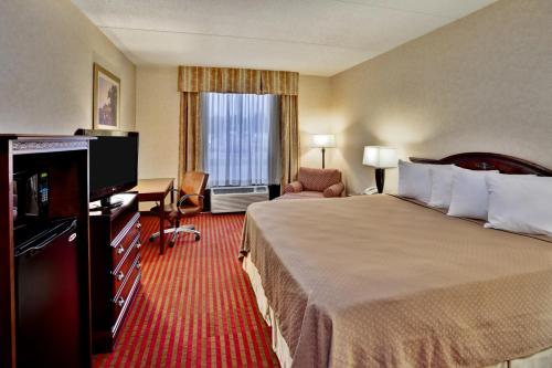 Quality Inn & Suites Somerset - Somerset, KY 42503